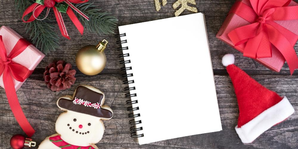 9 things every Bullet Journal user wants for Christmas | Petite Mélanie Here are 9 things every Bullet Journal enthusiast wants for Christmas. Check out this amazing gift guide to get your loved ones the perfect Bullet Journal gift this Christmas!